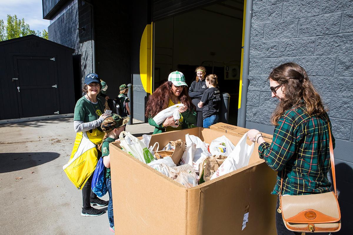University of Oregon Ducks football fans gather for the 2017 Spring Game at Autzen Stadium. The Spring Game will serve as the first exhibition of Coach Willie Taggart's newly assembled coaching staff. Cost of admission was three cans of non-perishable food to benefit Food for Lane County. Photo by Ben Lonergan, Oregon News Lab