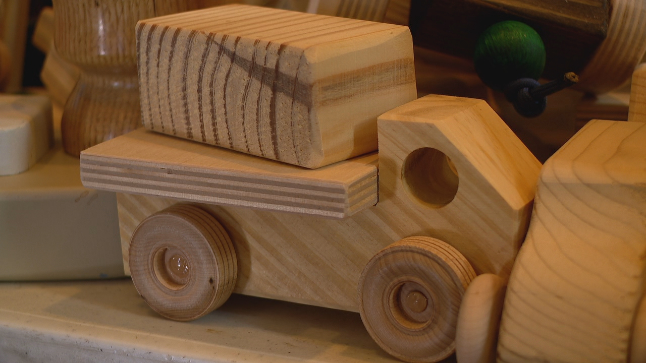 Members of the Apple Country Woodworkers Club have been as busy as Santa's elves. For the last year, they've been building more than 2,500 toys that 14 agencies{ } will get the toys into the hands of little boys and girls right here in the mountains. (Photo credit: WLOS staff)