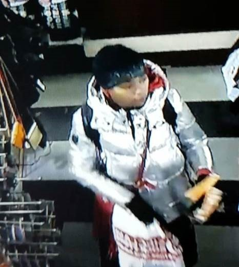 Dayton Police hoping you can help track down theft suspect (Courtesy: DPD)