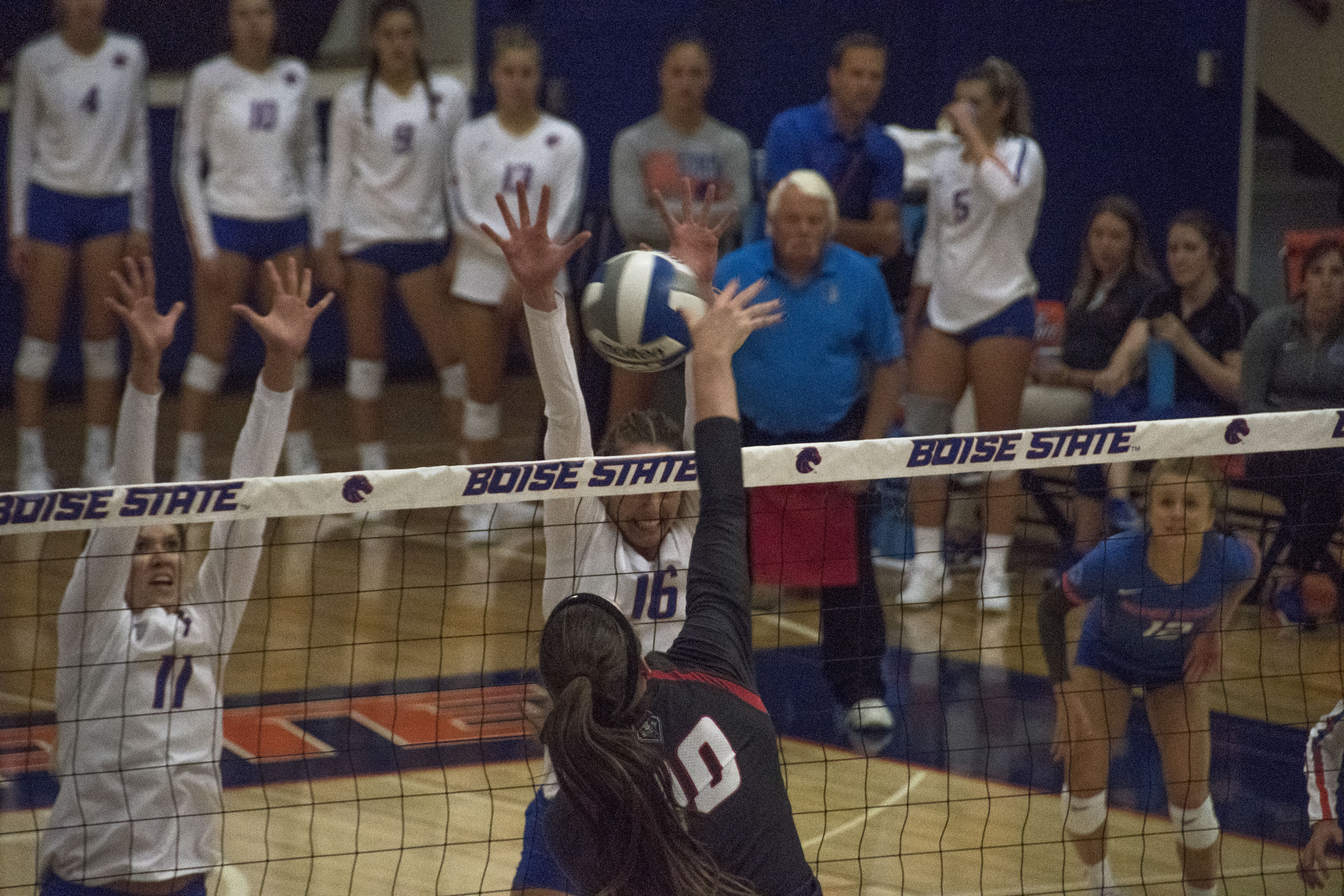 Photos: Boise State Volleyball took on New Mexico Saturday   KBOI