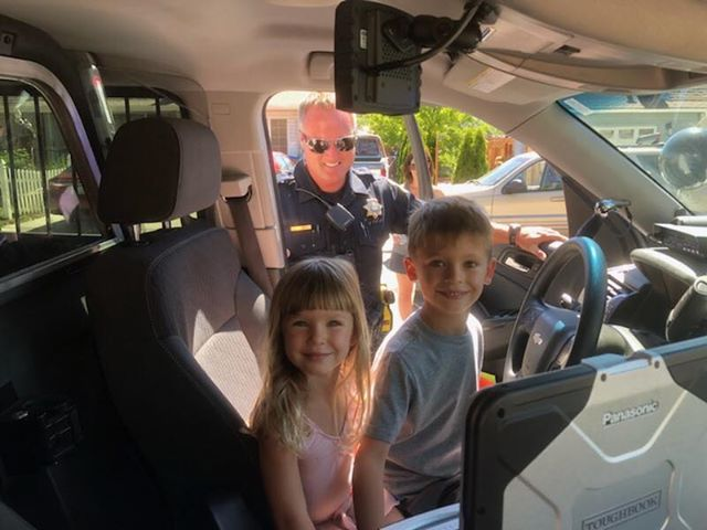 Sparks Police Department supports 6-year-old's lemonade stand