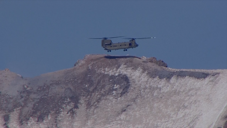 Chinook helicopter retrieves injured climber, six rescuers from summit of Mount Hood (KATU)