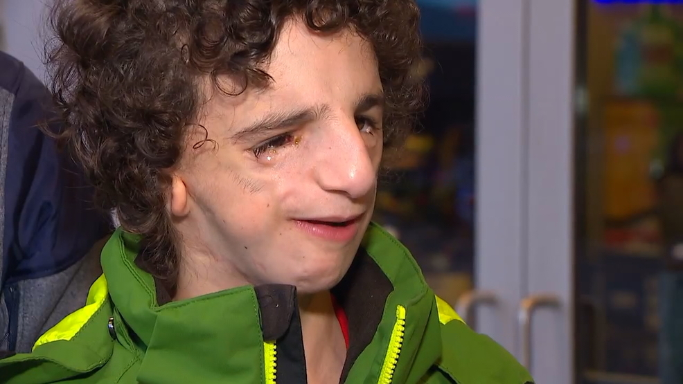 It Shows People Actually Care Wonder Movie Has Extra Meaning For Issaquah Boy Komo