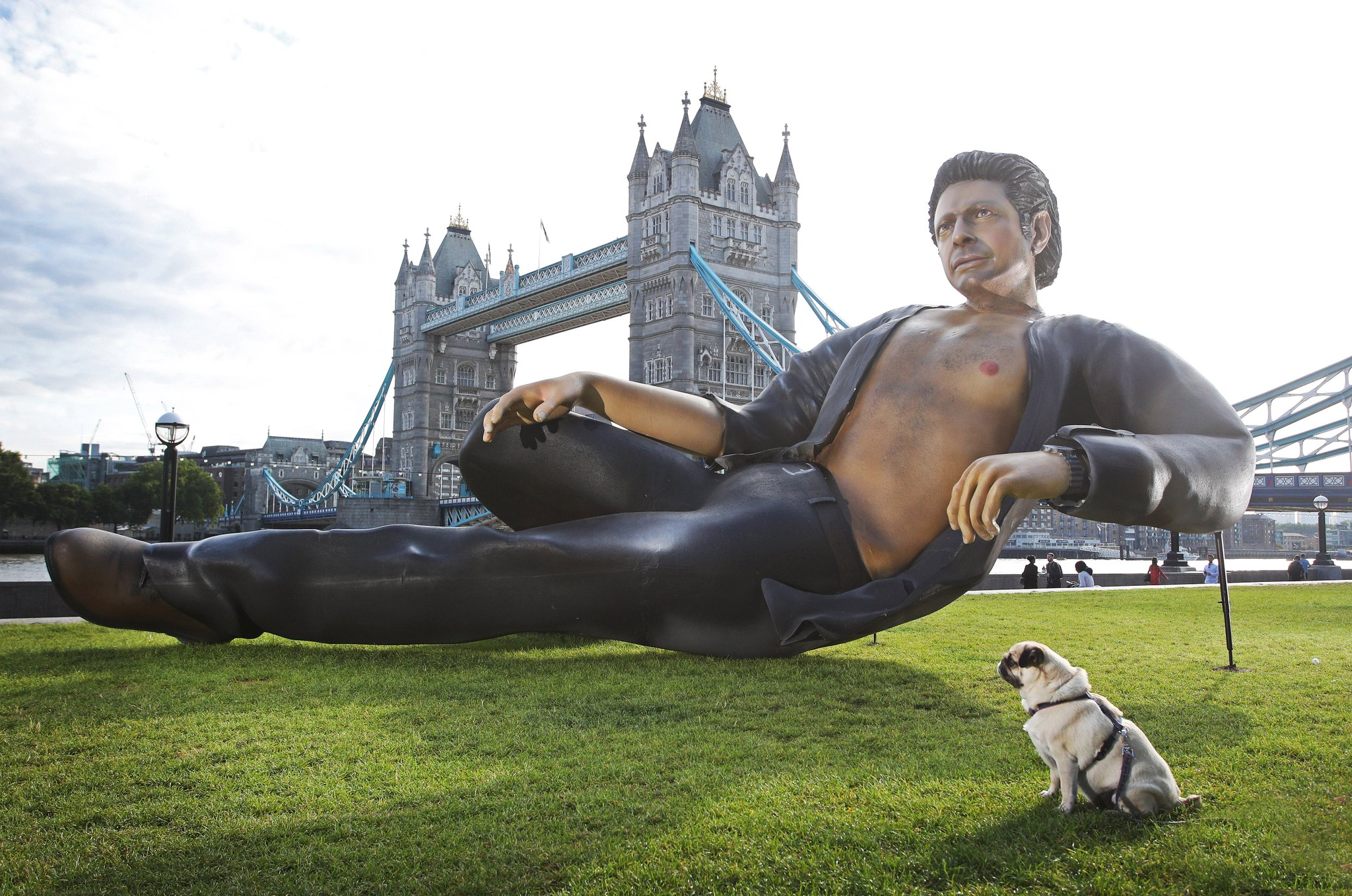 This magnificent, shirtless Jeff Goldblum statue has popped up in London. (Photo courtesy: NowTV/FeverPr)