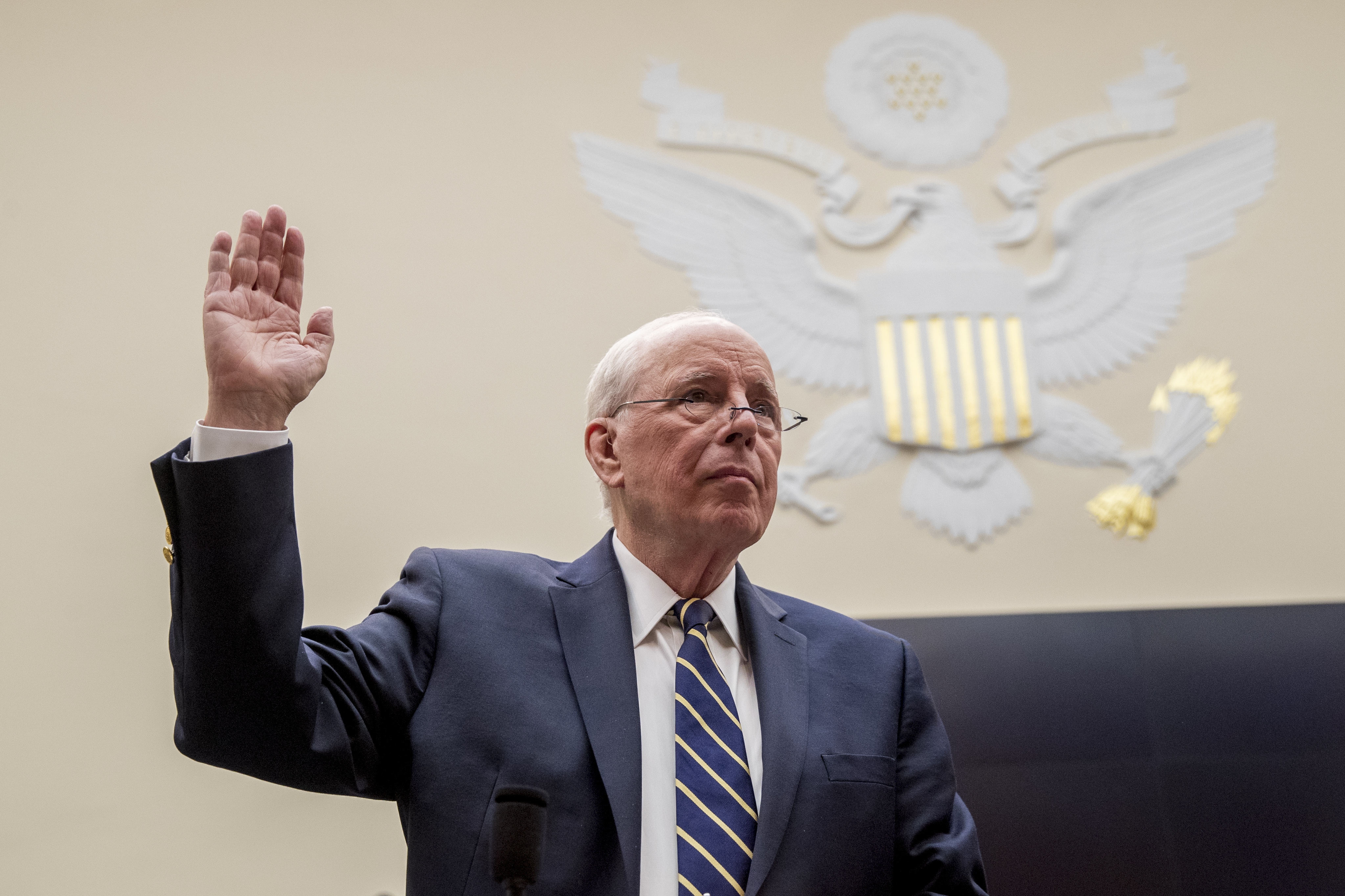Former White House counsel for the Nixon administration John Dean is sworn in before a House Judiciary Committee hearing on the Mueller Report on Capitol Hill in Washington, Monday, June 10, 2019. (AP Photo/Andrew Harnik)