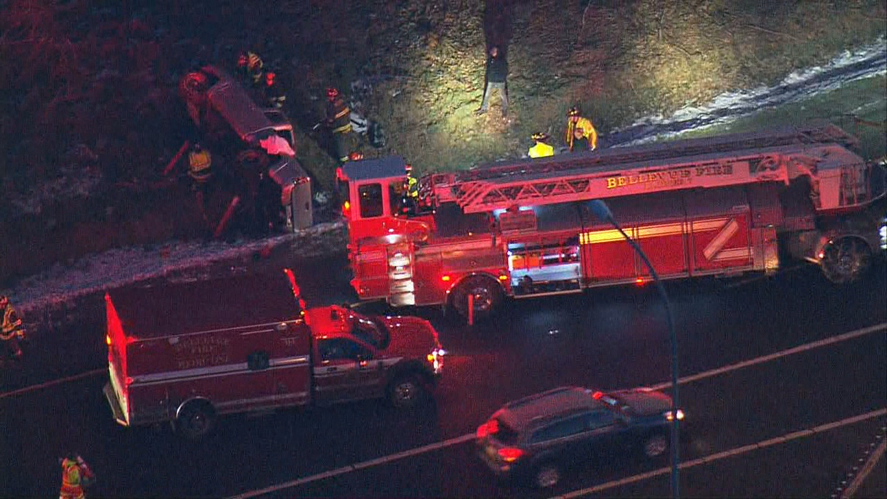 Troopers and medics respond to the crash scene. (KOMO News/Air4 photo)