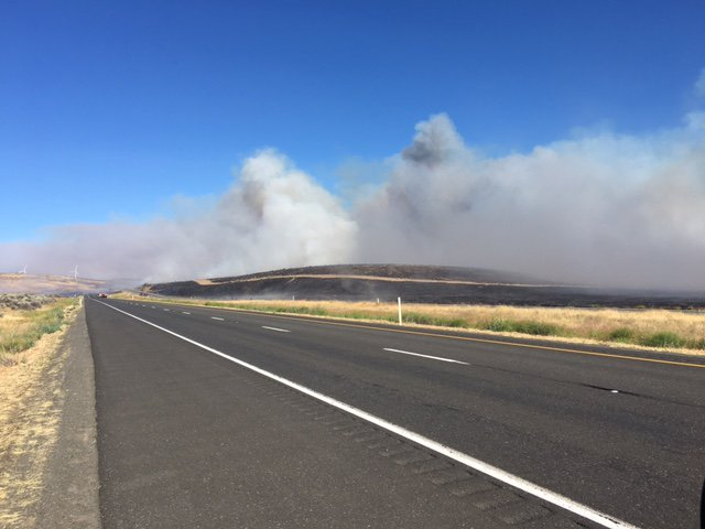 Brush fire burns along I-90 near Kittitas, Wash. (Washington State Patrol Photo)