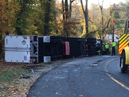 Tractor trailer overturns in Friday morning crash on Rt  29