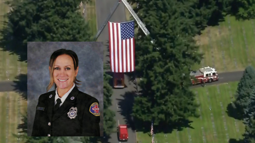 Gig Harbor holds procession for first female firefighter, paramedic after unexpected death