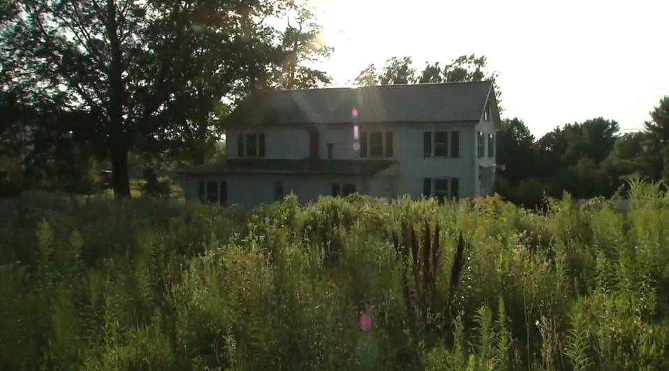 Maine home where Stephen King wrote 'Pet Sematary' up for sale. (WGME)