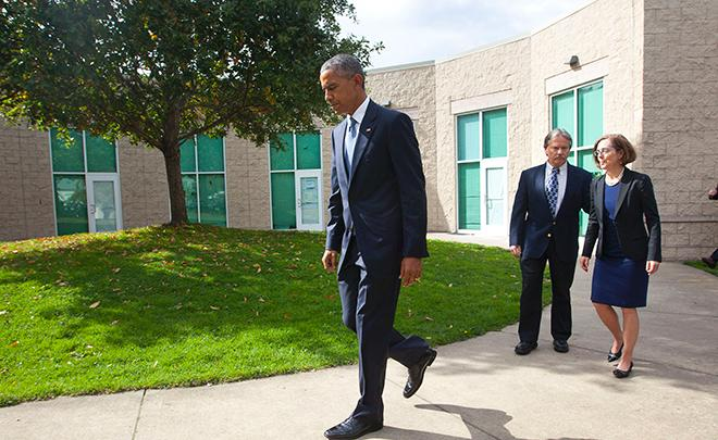President Obama visits Roseburg following the UCC shooting in ctober 2015. (SBG)O
