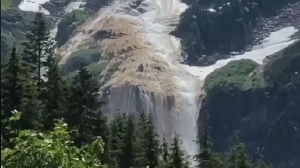 Watch: Avalanche in Cascades caught on camera