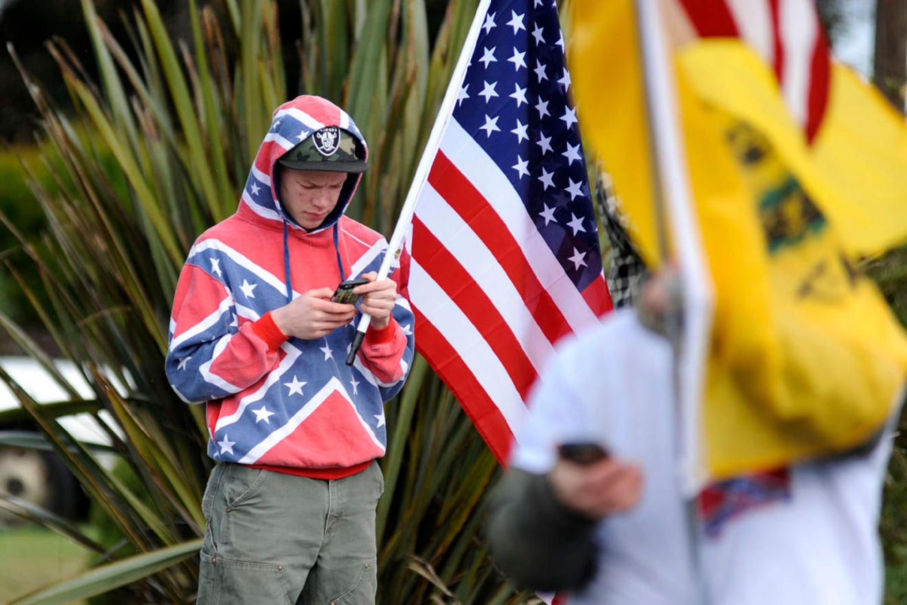 Oregon School District Bans Confederate Flag After Girls Get In A