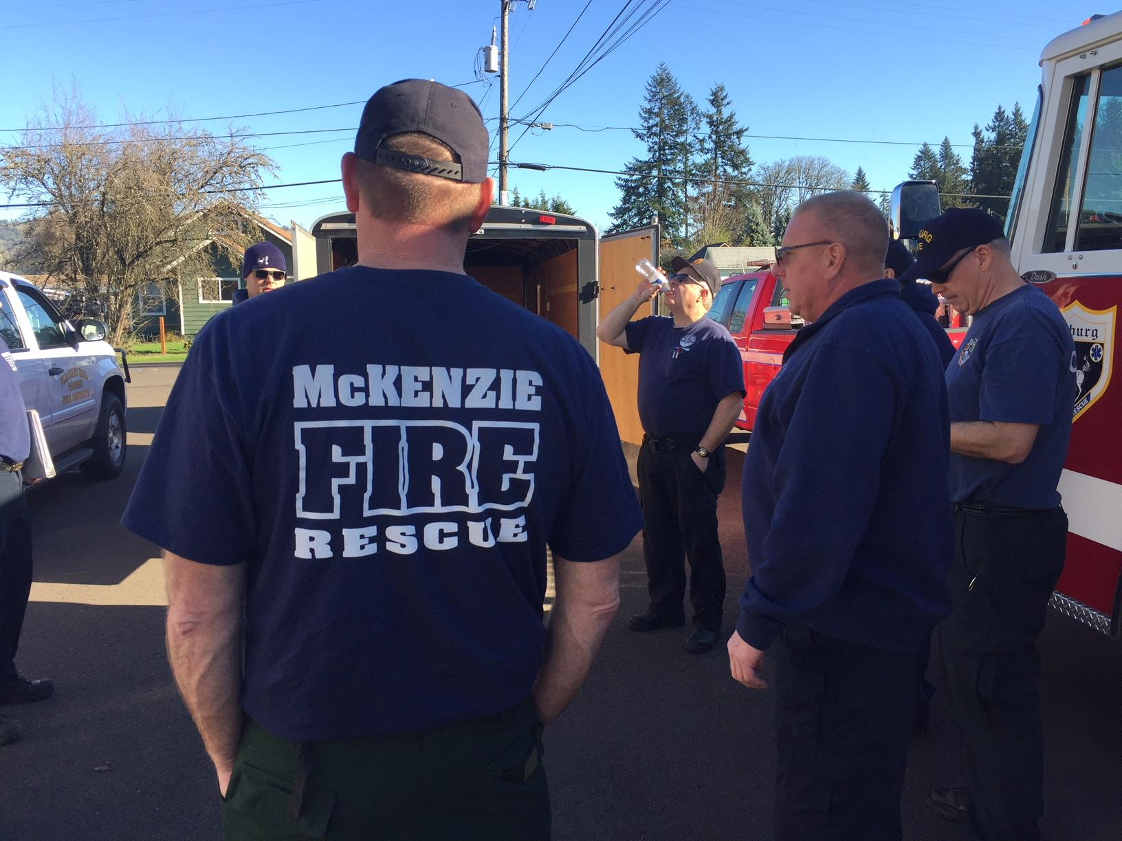 <p>Lane County Fire Defense Board assembled a second strike team to send to California on Wednesday, made up of engines and personnel from Eugene Springfield Fire, McKenzie Fire &amp;amp; Rescue, Coburg Fire District, Siuslaw Valley Fire, and Lane Fire Authority. The team met at Goshen Fire District at 1 p.m. to mobilize and head for Southern California, where wildfires have destroyed hundreds of structures and forced thousands of people to evacuate. (SBG)</p>
