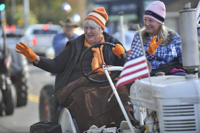 The Veteran's Day Parade - Jamie Lusch