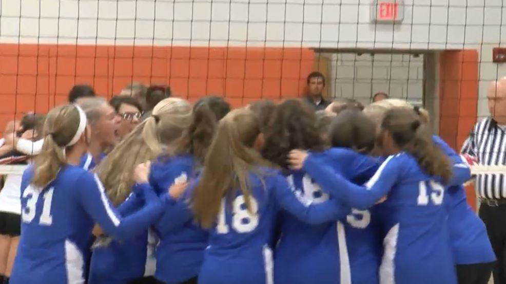 H.S. Roundup 10-31: Berlin girls volleyball captures district title